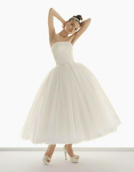 Prípravy - Svadobné šaty Nazaret budú požičané z Wedding Avenue.