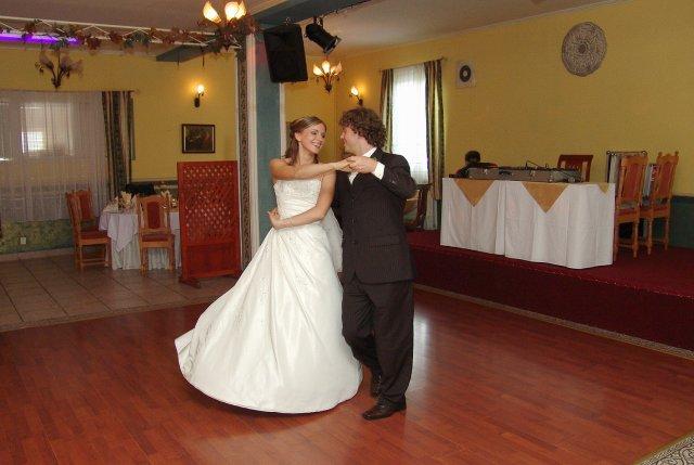 Lucia{{_AND_}}Pavel - novomanželské sólo, vyšlo parádne :) ako nacvičené :)