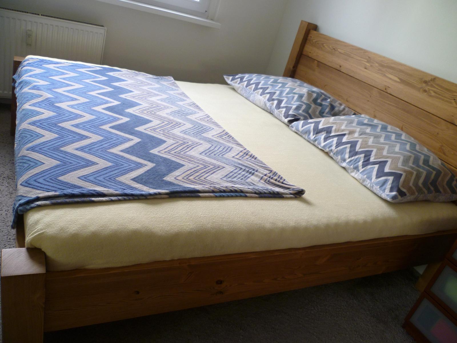 Naše nová, borovicová postel, GABON BIG, hlavové čelo zvýšené na 115 cm :-) ...je super! - Obrázek č. 1