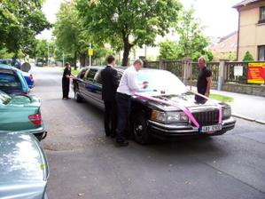 """Lincoln 120"""" pro nevěstu"""