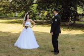 Sněhobílé tylové svatební šaty, 36