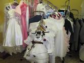 Družičkovské a mládenecké šaty + pánské obleky
