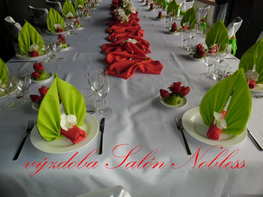 Svatební výzdoba pronájem komplet červená - Obrázek č. 4