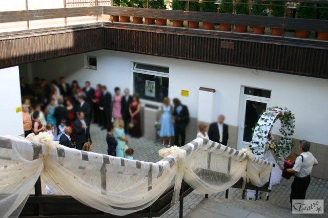 Naše 13.6.2008 - takto nejako by mohol vyzerat nas vstup do restauracie
