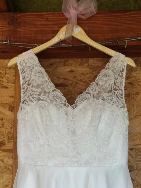 Svatební šaty, vel.42-44 - Obrázek č. 1