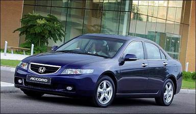 možné auto pro nevěstu, je to Honda Accord 8.generace