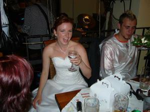 nevěsta se rozjíždí