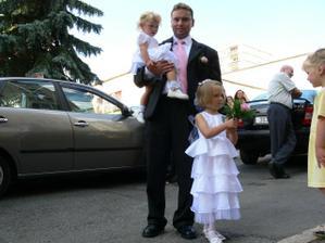 můj manžel s Alenkou a Nikolkou