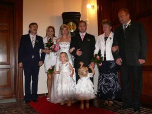 moje rodina s Manželovou rodinou a naše dcery