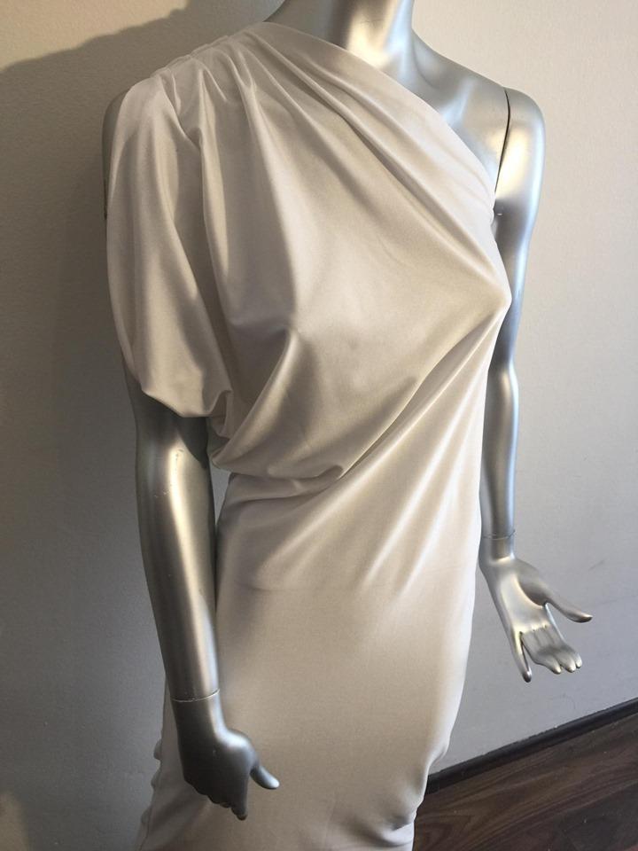šaty na jedno rameno - Obrázok č. 3