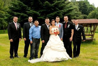 Foto nevěsty s chlapama :-)