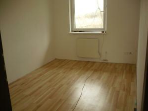 detské izby - zatiaľ neobývané, zatiaľ biele