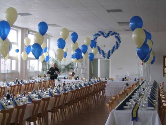 Prípravy na 2.5.2009 Janka a Ondrej - Páči sa mi modro-biela kombinácia na výzdobu sály a určite budú balóny