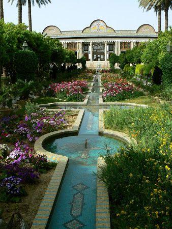 Paradise Garden - rajská záhrada. Od Španielska cez Maroko až po Irán a Indiu - Obrázok č. 2