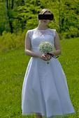 Svatební šaty v midi délce, 39