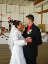 ... solo novomanželov ...