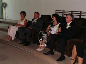 Svadobní rodičia sú už pripravení, ...