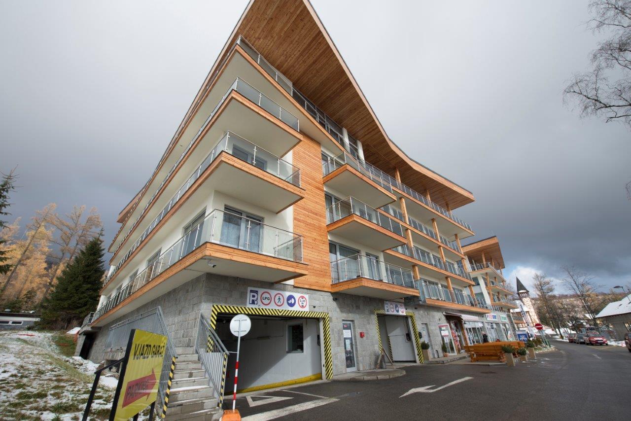 Komfort v architektúre v tatranskom štýle - Obvodové steny sú zateplené minerálnymi doskami s hrúbkou 15 cm a 20 cm.