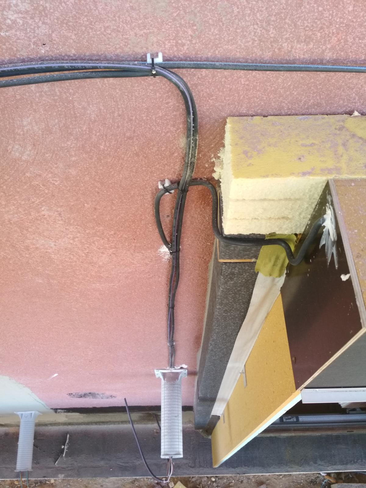Na šalování základovky z... - Obrázek č. 4
