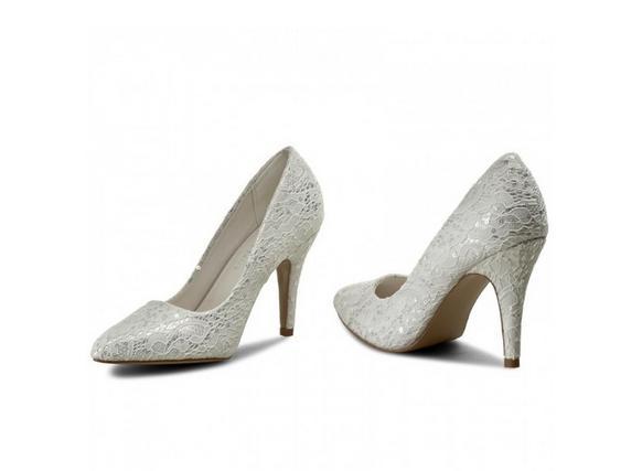 Naše prípravy :) - hlavné topánky na fotenie a obrad :)