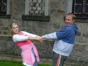 po roce na výročí svatby-na místě činu:o)