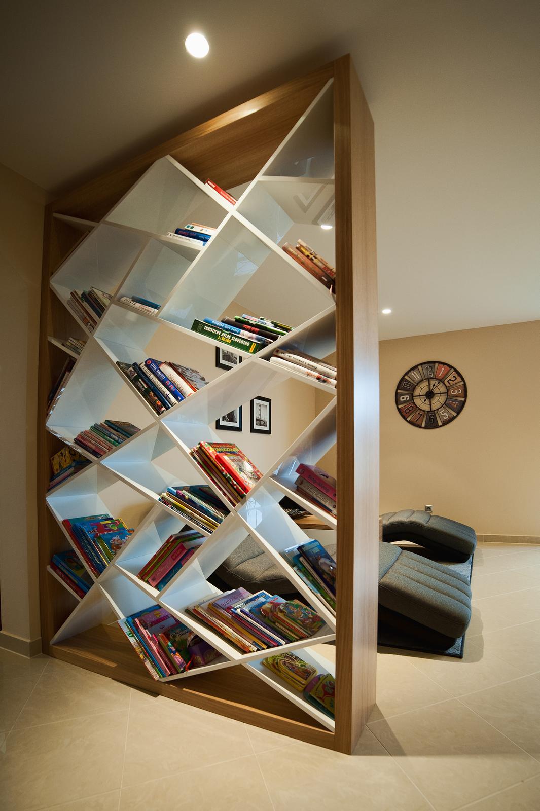 Niečo z našej práce - knihovňa