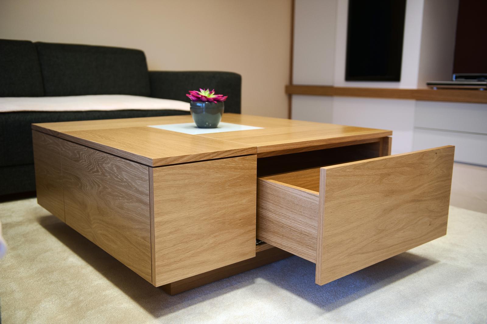 Niečo z našej práce - konferenčný stolík