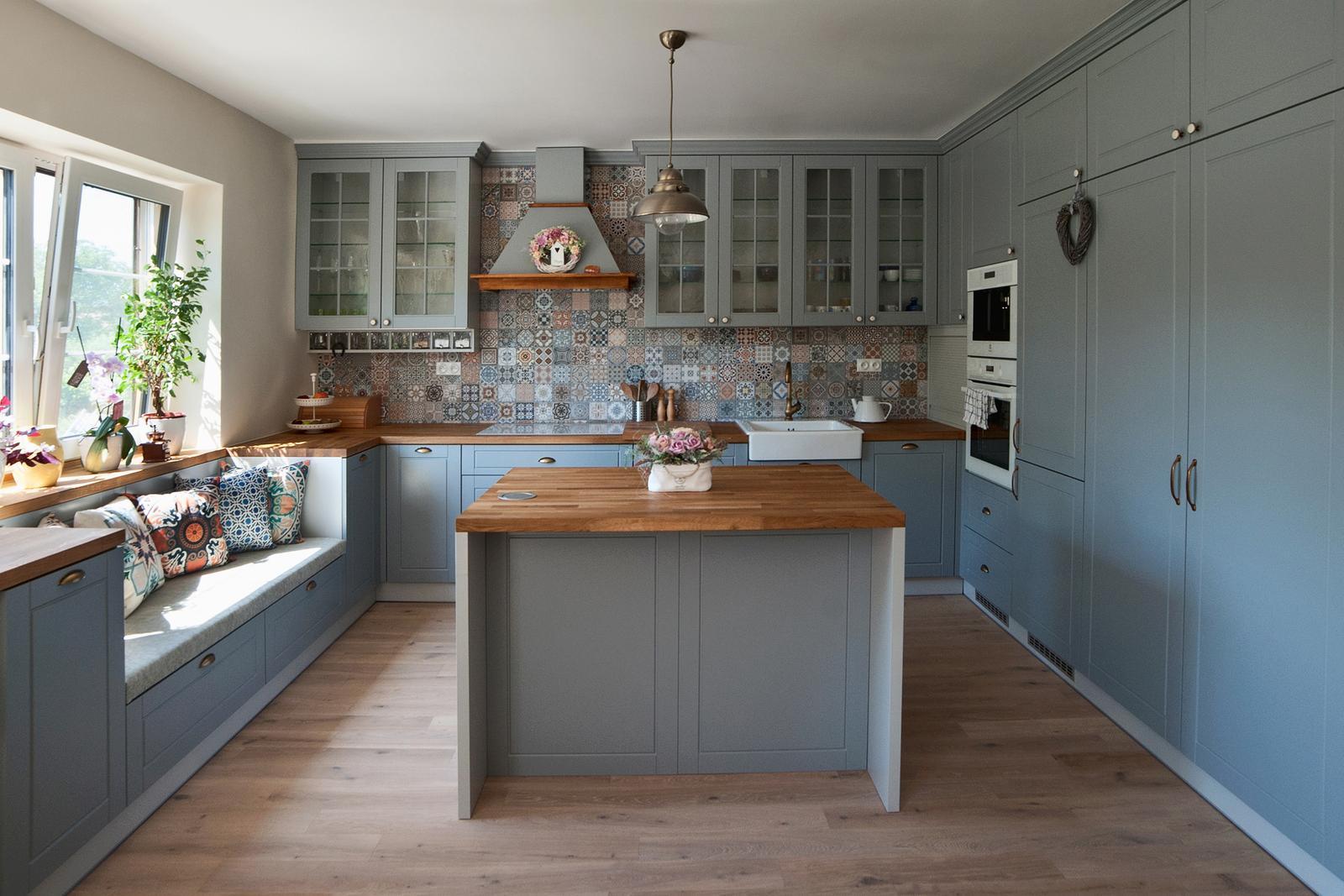Vidiecka kuchyňa šedá - výroba, montáž a finálne osadenie - Obrázok č. 6