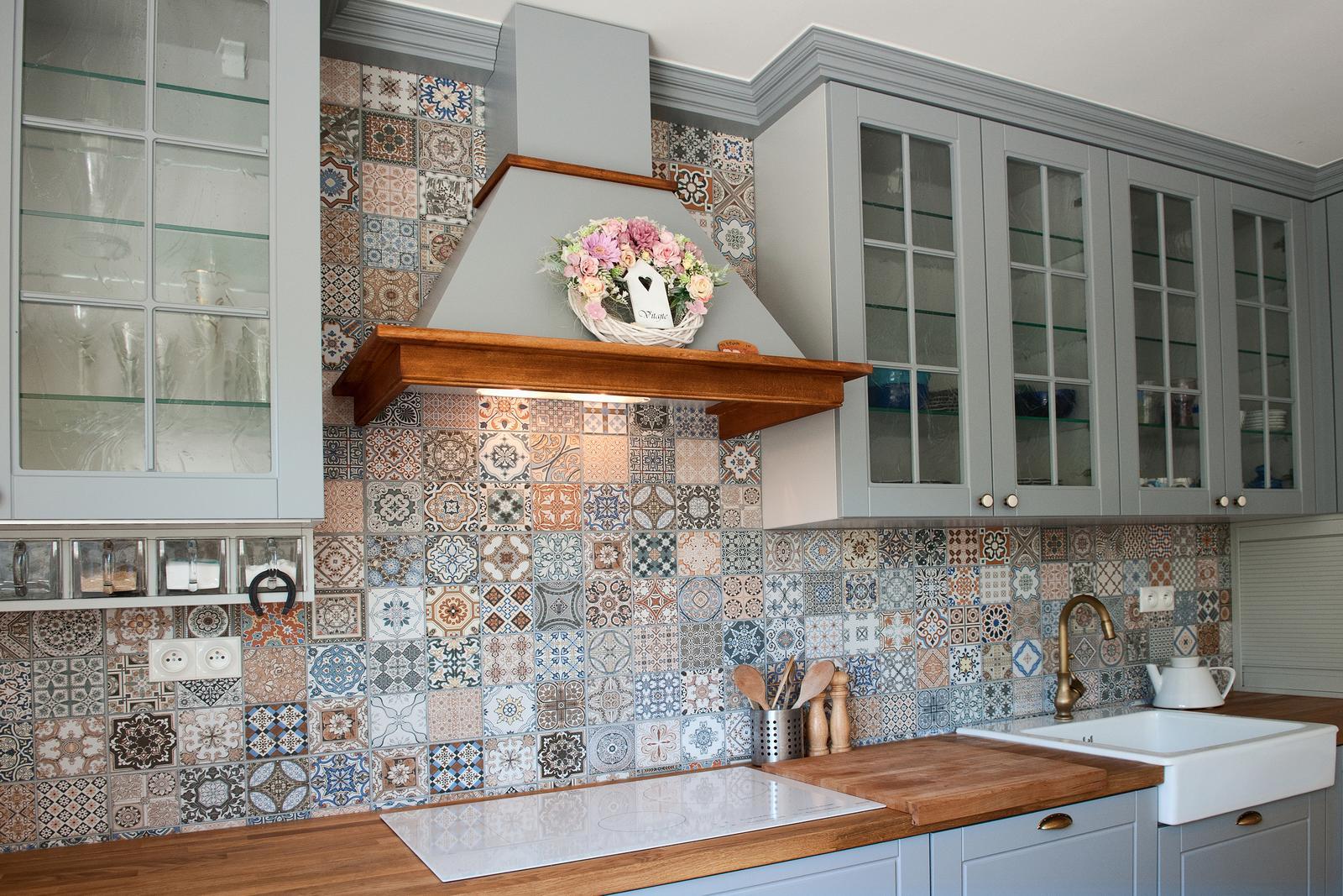Vidiecka kuchyňa šedá - výroba, montáž a finálne osadenie - Obrázok č. 19