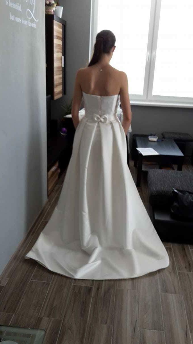 Svadobné šaty s odopínateľnou vlečkou - Obrázok č. 1