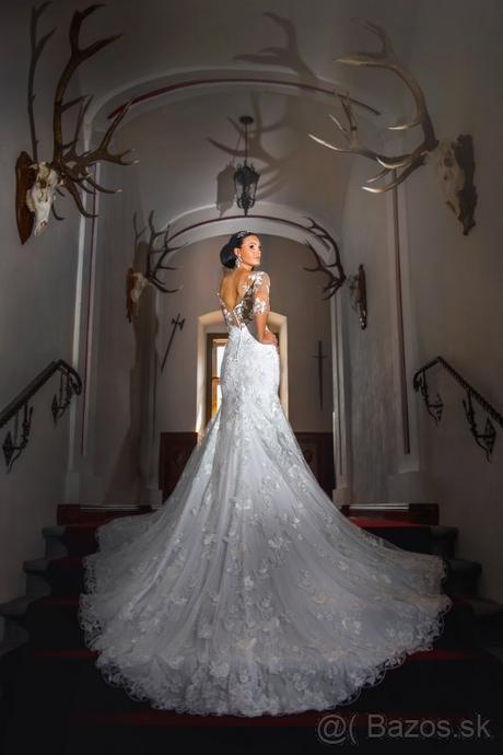 Svadobné šaty s očarujúcou vlečkou - Obrázok č. 1