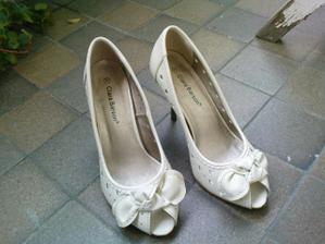 boty - jsou pohodlné, z 9 cm vysokého podpadku mám ale pořád trochu obavy