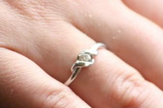 tak toto je moj snubny prsten:)