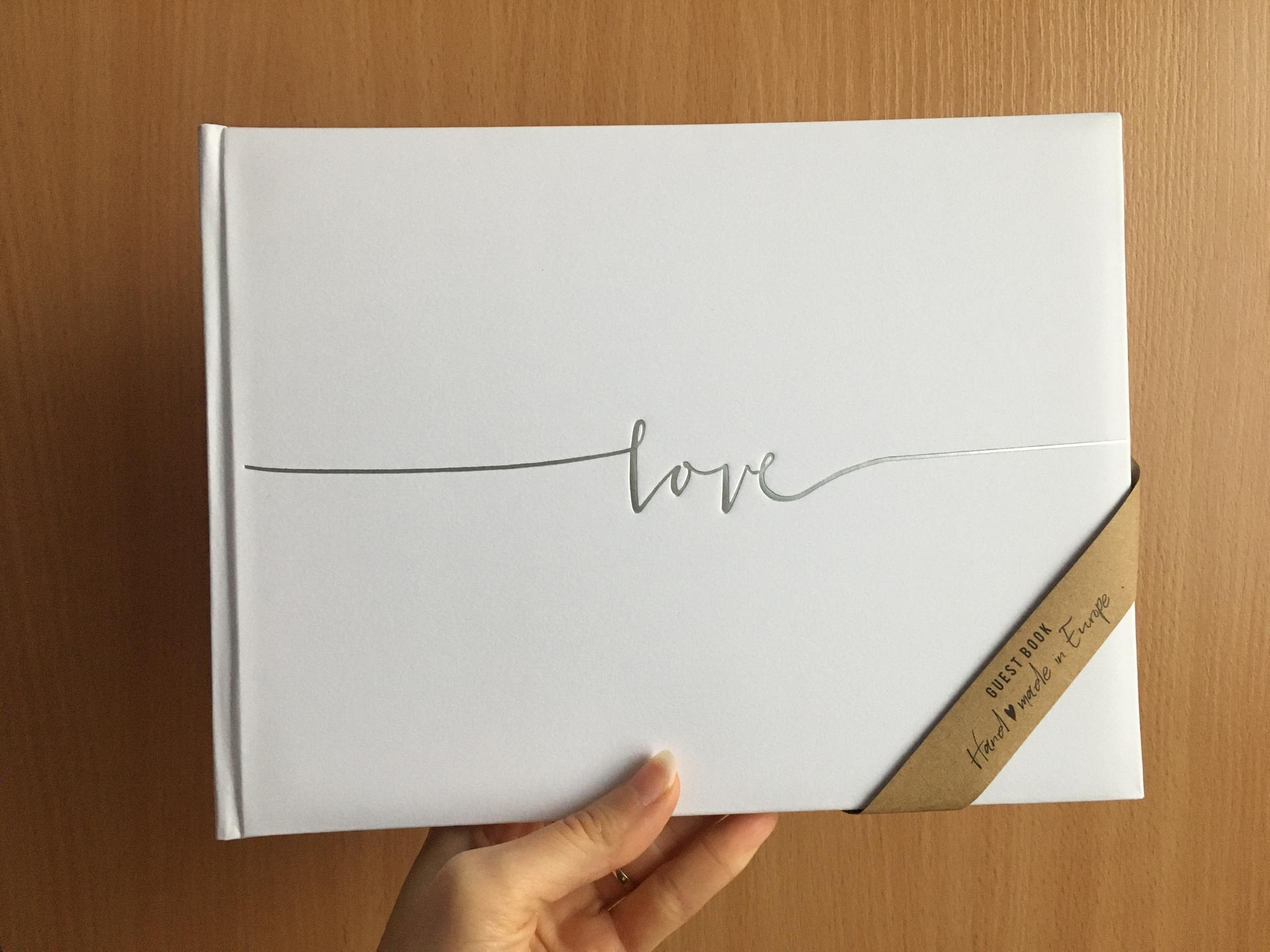 ♥ 3.9.2021 ♥ - Kniha hostí. Krásna, jednoduchá. 😊