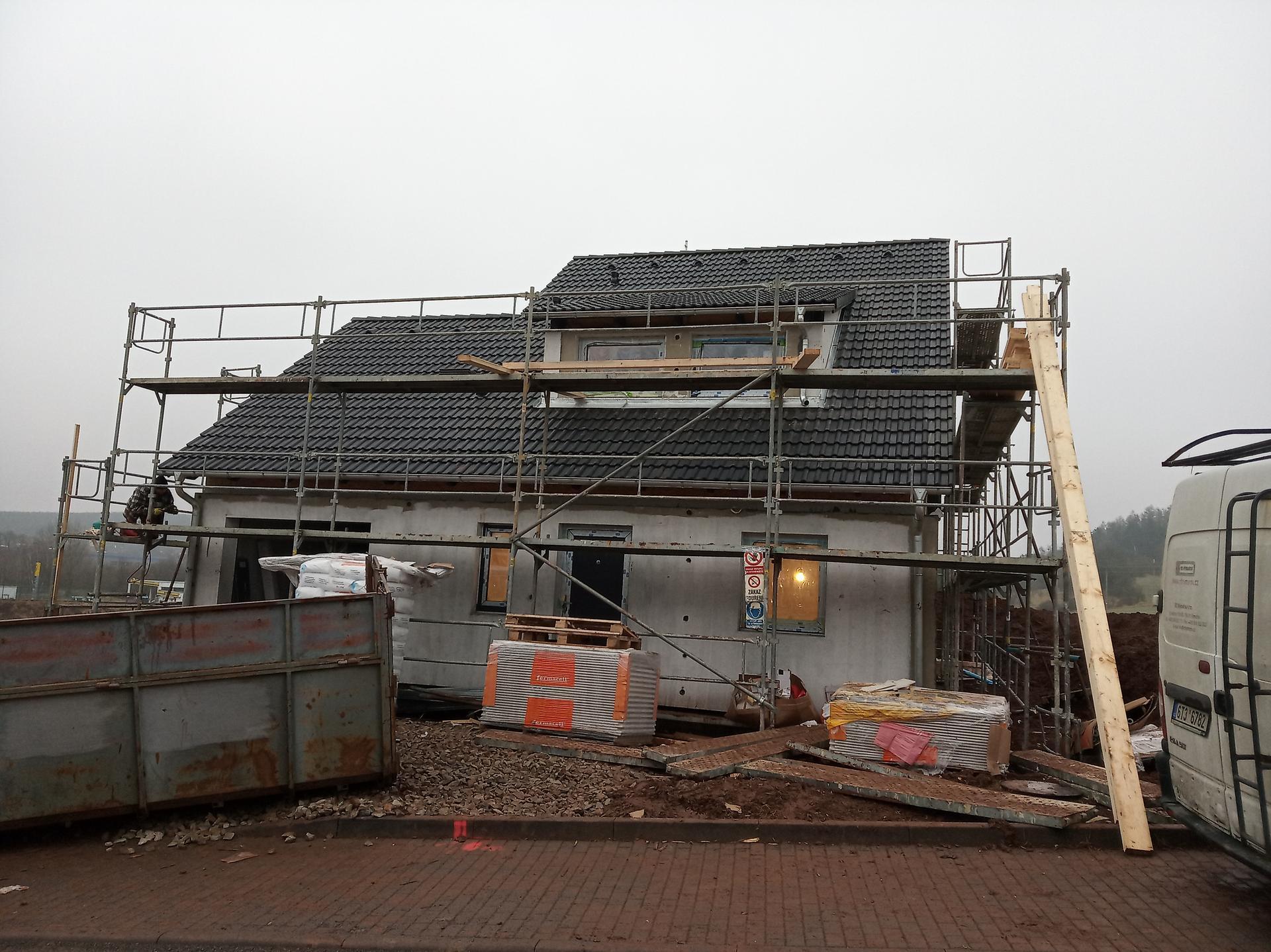 Nova 101 - 5. den - máme střechu!