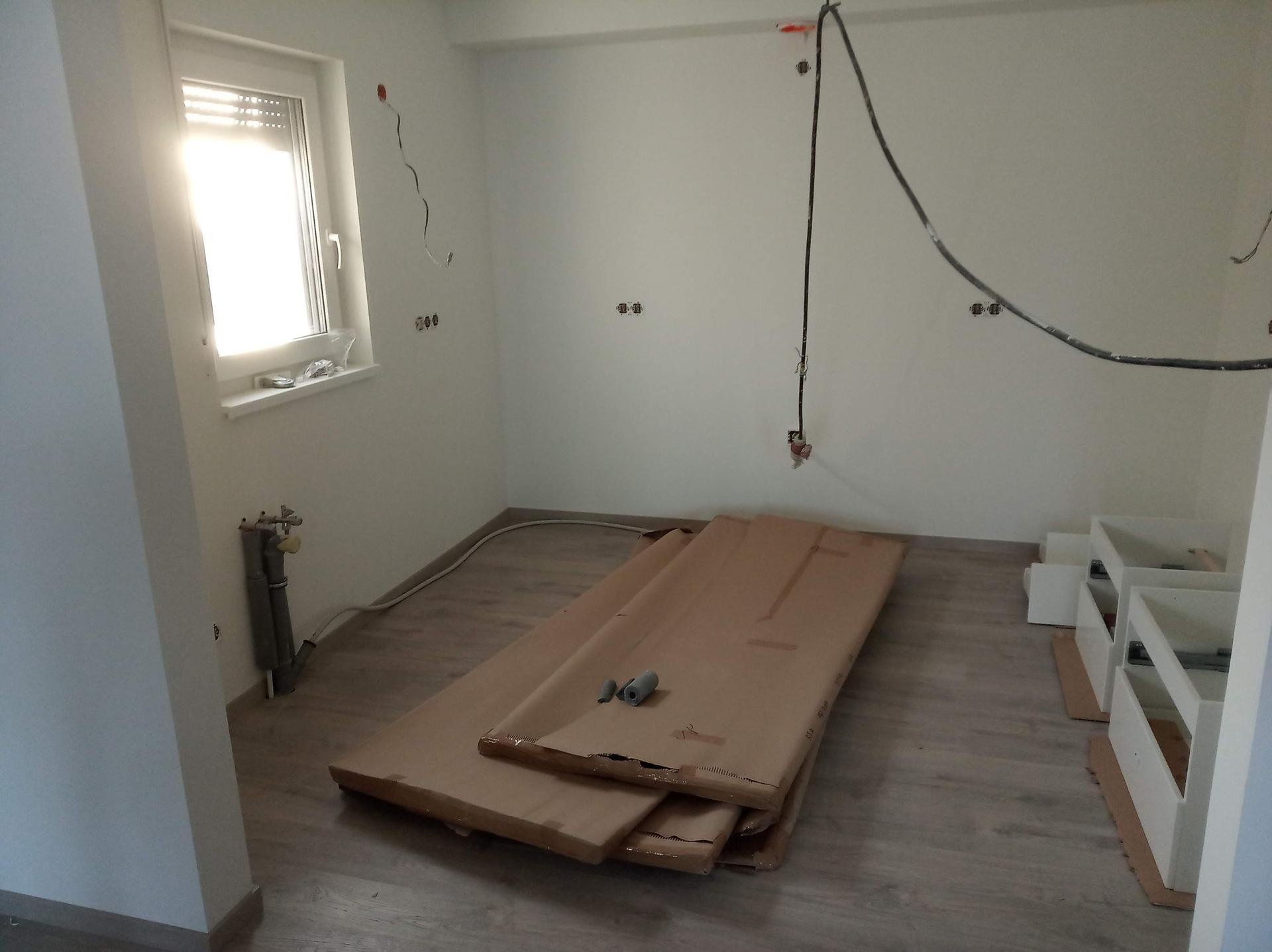 Nova 101 - 13.den -máme podlahy v přízemí :)
