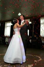a takéto prekvapko sme mali od Dja pri našom prvom novomanželskom tanci:-)))