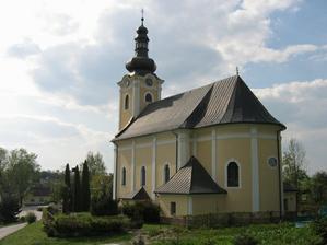 tu budeme mať sobáš-kostol v Rosine