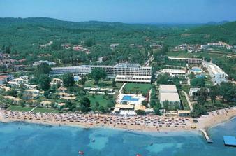a toto je náš hotel,kam pôjdeme na svadobnú cestu.grecko-korfu:)))