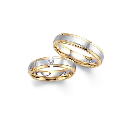 Moje retro svatba v krátkých šatech:-) - prsteny Fischer, u Žabky vyšly levněji :-)