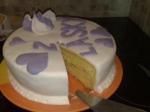 zkoušela jsem dort z marcipánu a povedl se :-)