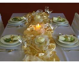 Moje nejoblíbenější obrázky nadekorovaných stolů, že kterých budu vycházet