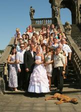 Všichni svatebčané i s Barčou.