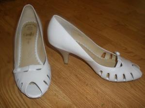 moje botky,kožené...jsou jako bačkory