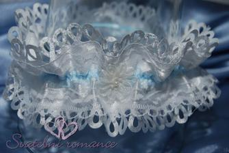 Něco modrého :-)...už mám :-)