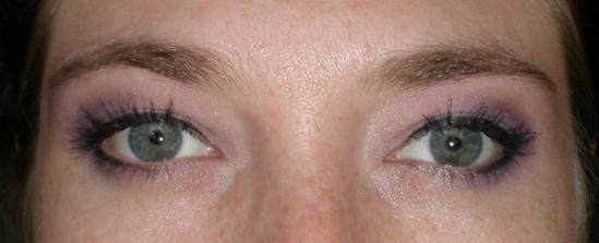 skúška oči ... s hornou linkou ... (ešte musím ísť si dať dotvarovať obočie :))))
