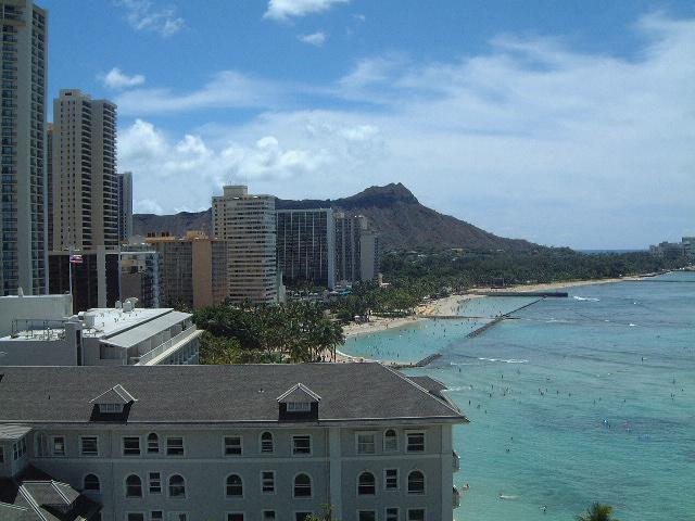 Emilia Timulakova{{_AND_}}Andy Simia - vyhlad z nasho hotela na Waikiki beach :-)