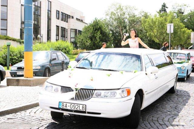 Erika{{_AND_}}Martin - ...a takéto krásne auto nás čakalo pred hradom a to všetko spískala moja naj sestrička Zuzanka - ďakujeme