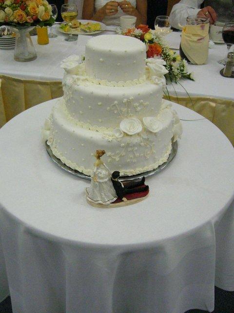 Erika a Martin 30.6.2007 - mňam mňam tortička