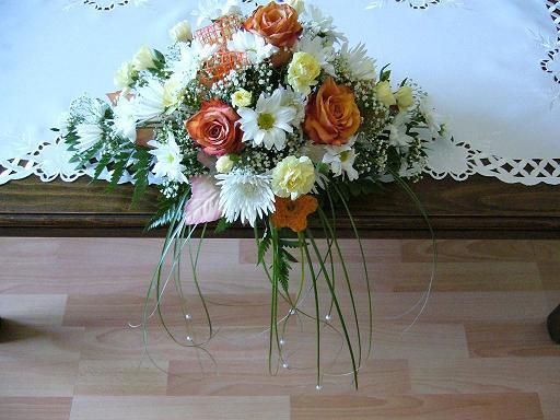 Erika a Martin 30.6.2007 - kvety na stoloch